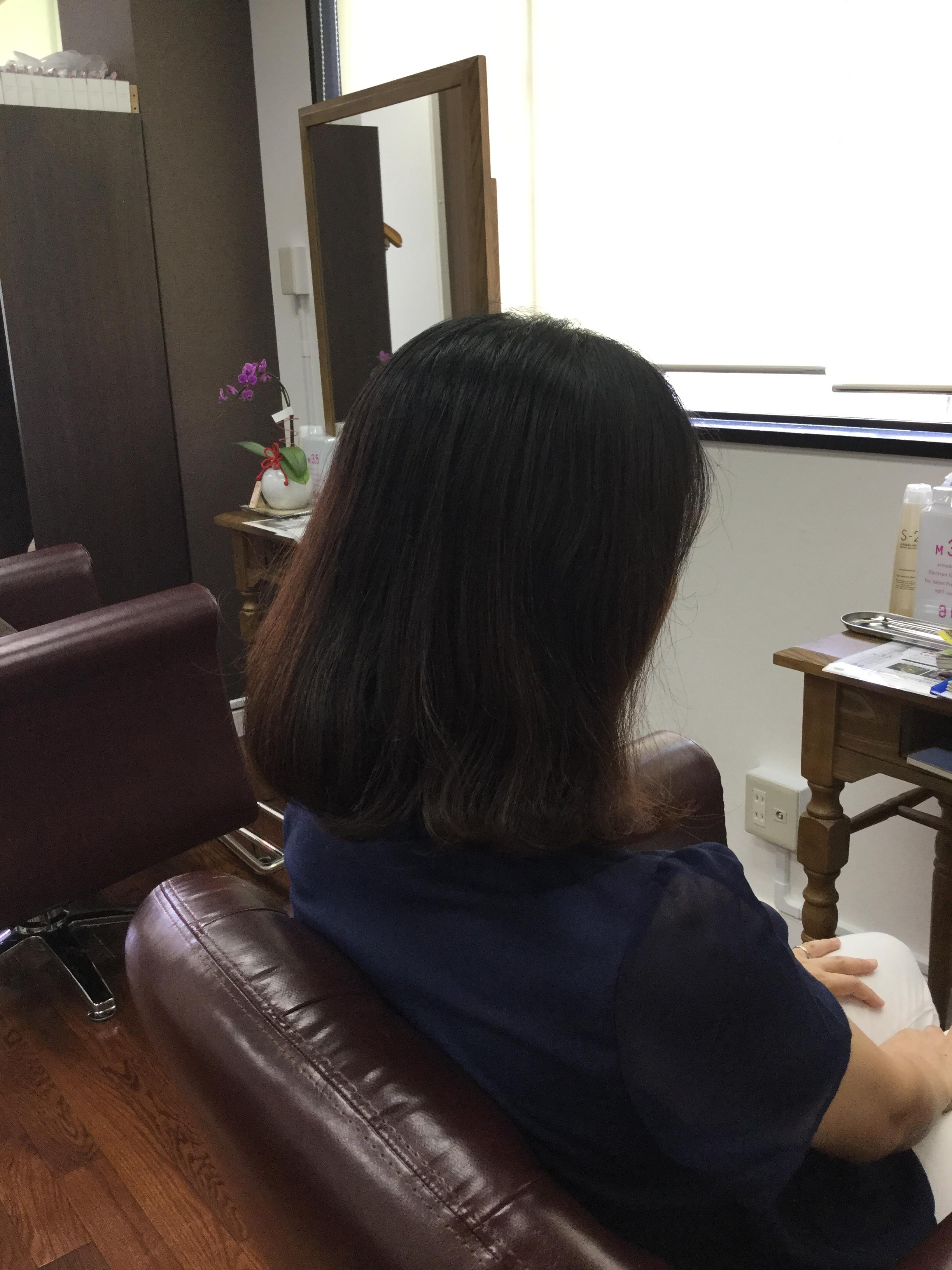 くせ毛広がりまとまらないくせ毛をカットで大人ボブが得意な神戸くせ毛専門美容室